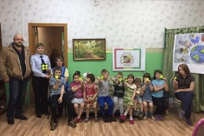 Сотрудники Госавтоинспекции Лихославльского района провели мероприятие «Стань заметным на дороге!»