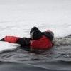 Правила поведения при оказании помощи провалившемуся под лед