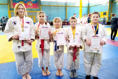 Калашниковские борцы взяли «золото» Первенства области и вошли в состав сборной на Первенство России