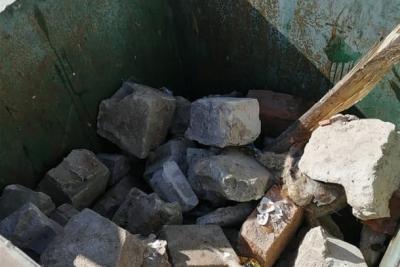 Используйте мусорные контейнеры по назначению!