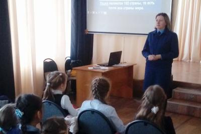 Работники прокуратуры Лихославльского района провели встречи со школьниками и студентами