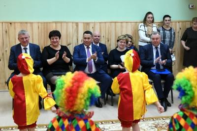 Губернатор Игорь Руденя посетил детский сад «Ладушки» в Лихославле