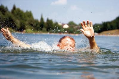 Безопасность у водоемов: советы медиков-спасателей
