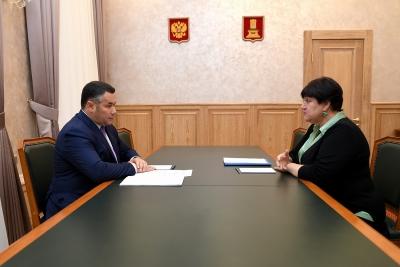 Игорь Руденя и глава Лихославльского района Наталья Виноградова обсудили строительство детских садов и создание новых производств в муниципалитете
