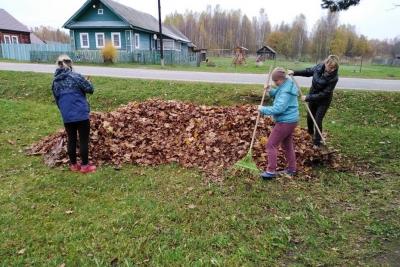 В Сосновицком поселении прошли осенние субботники