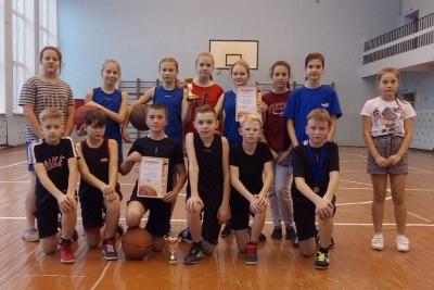 В Лихославле выявили лучших баскетболистов среди школьников
