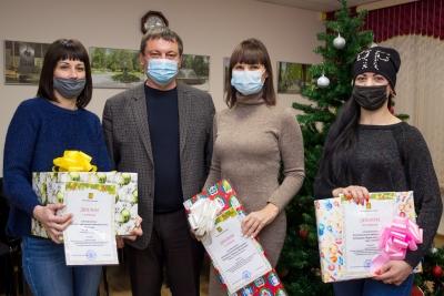 В Лихославле подведены итоги смотра-конкурса «Лучшее праздничное оформление объектов потребительского рынка к Новому 2021 году и Рождеству Христову»