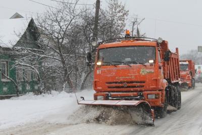 241 единица техники расчищает от снега региональные и межмуниципальные дороги Тверской области
