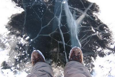 Памятка по оказанию помощи человеку, провалившемуся в воду на льду водоема