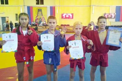 Спортсмены отделения единоборств из Калашниково приняли участие в турнире по борьбе самбо
