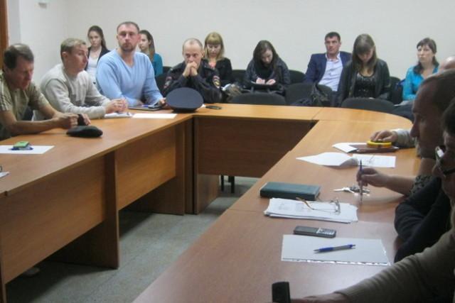 Предварительное обсуждение. Фото: Юлия Новикова