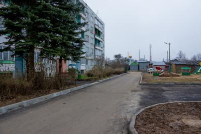 Двор дома № 1 по улице Речной поселка Калашниково. Фото: Евгений Козлов